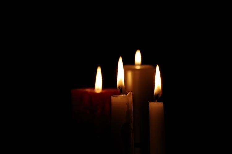 https://pixabay.com/it/candela-luce-2905395/