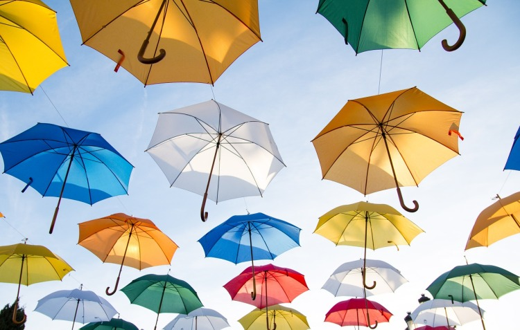 https://pixabay.com/it/photos/ombrelli-ombrelloni-copertura-1281751/